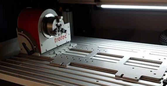 Profili PT25 utilizzati come pianale per il fissaggio di utensili lavorazioni meccaniche